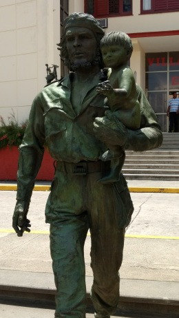 Small monument of Che with infant symbolizing hope for the next generation